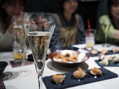 新宿|30才〜45才限定・楽しい個室・飲み会|少人数で開催|